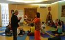Андрей Лобанов и преподаватель Yoga Vidya Анжелика Бауэрдик